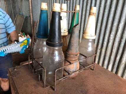 Oil Pots & stand