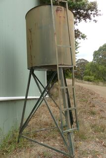 Diesel tank and stand
