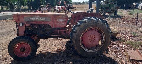 International A414 Tractor