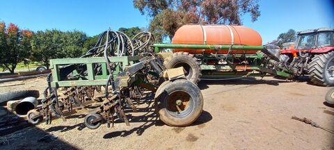 30Ft Ausplow Airseeder & 3 Bin Cart