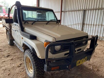 75 Series Landcruiser Ute #3