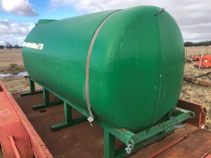 3000L Gold Acres poly tank on steel frame