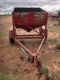 Single Axel Sheep Feeder