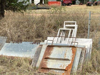 Qty Gal & Aluminium Irrigation stops