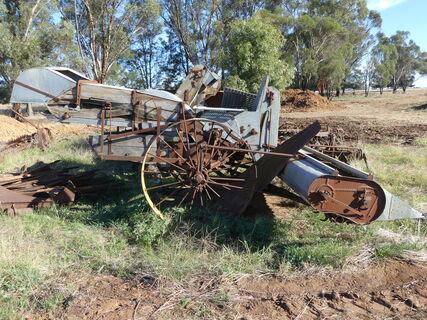 Old sunshine Harvester ( scrap only )