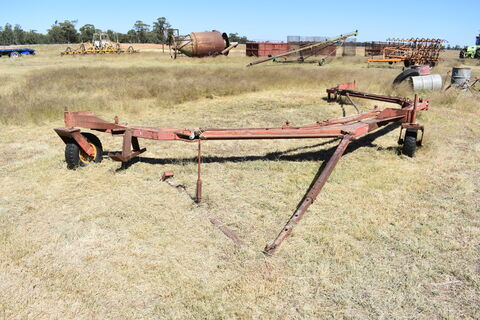 Double hitch for combines