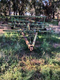 John Deere 1000 series cultivator with finger harrows