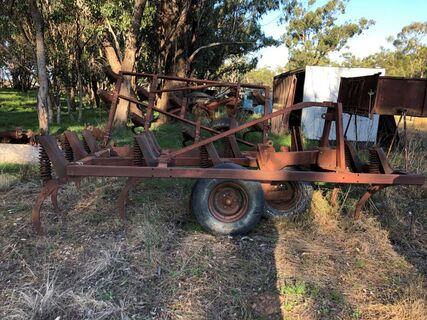 Gason chisel plough