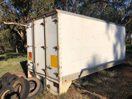 Refrigerated van body