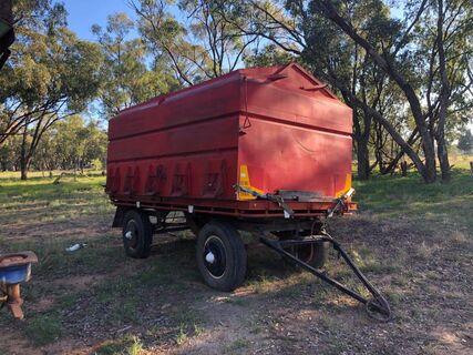 Freighter dog trailer