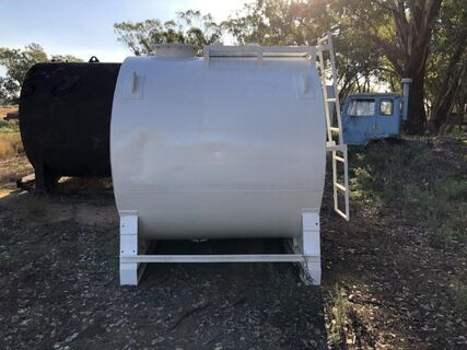 6,000L white fuel tank