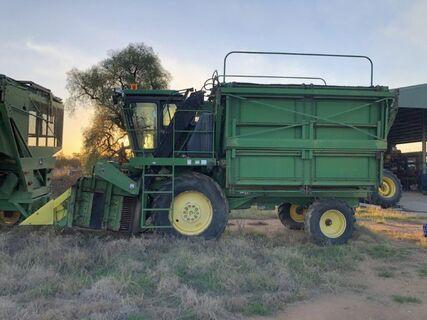 John Deere 9970 cotton picker