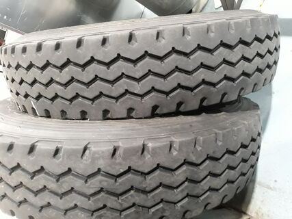 2 x Hankook 900R20 Tyres
