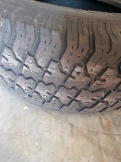1 x Cooper ST 285/70R17 Tyre. Tread low
