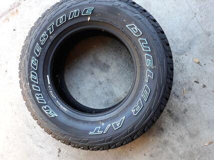1 x Bridgestone Dueler A/T 245/70R16 (new)
