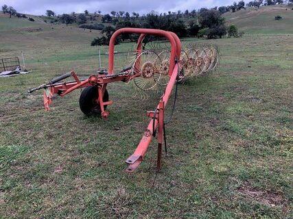 Hay Rake, Howard Inline 9 Wheel