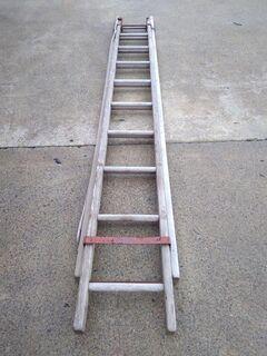 3-5.3m wooden ladder
