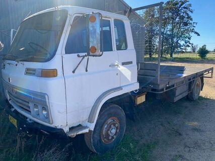 Tray Truck