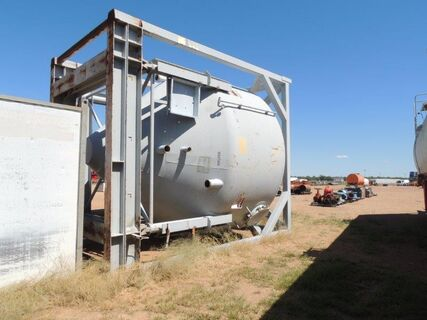 CEMENT POWDER TANK IN STAND GREY