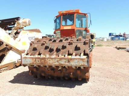 INGERSOLL RAND ROLLER, SMOOTH DRUM ARTICULATED PAD ROLLER FOOT SHELLS.