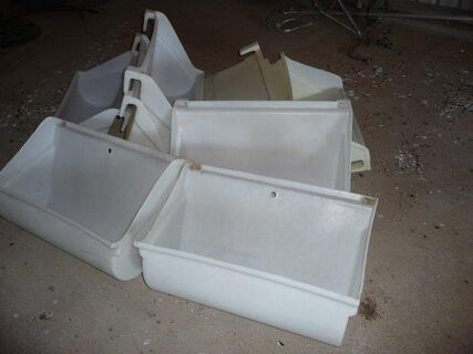 10 poly fence feed troughs