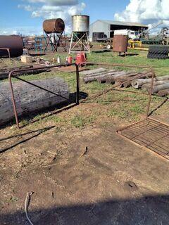 2x 6ft gates