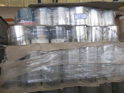 Approx 400 litres x 2.5 ltr cans Burgundy oil base