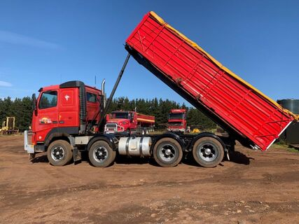 2001 Volvo FH12 460 twin steer tipper/prime mover, engine done approx 10000 kms