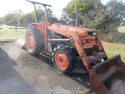 Kubota L345DT Tractor with FEL