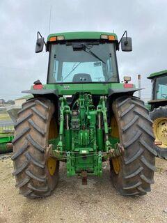 John Deere 7710 tractor