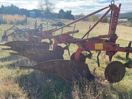 Kverleand 4 f plough