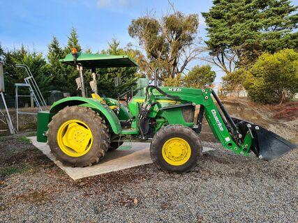 John Deere 5055E Tractor (As-New)