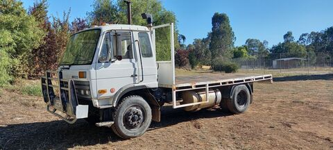 1990 Nissan UD CP14 Truck