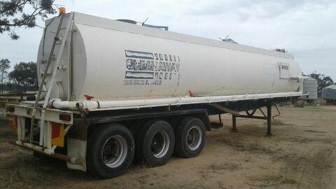 Freighter Tri-Axle Steel Tank