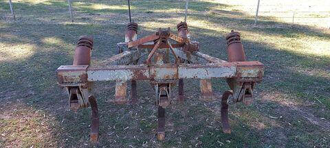 MF 544 Chisel Plough