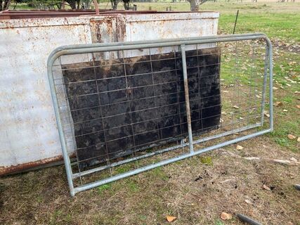 Vertical gates