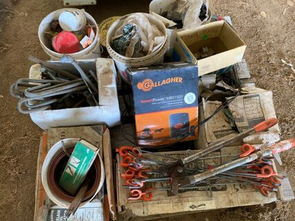 Assorted fencing items