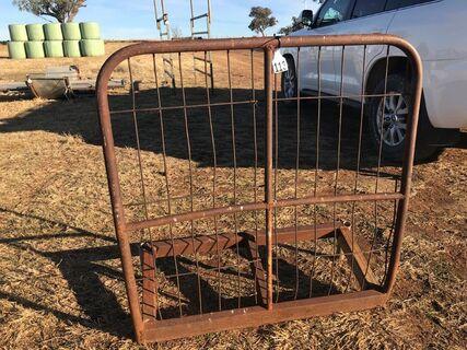 Truck rear hay gate