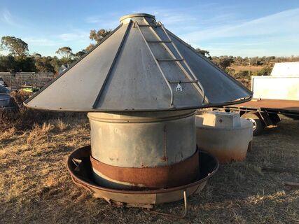 1.5 tonne cattle feeder