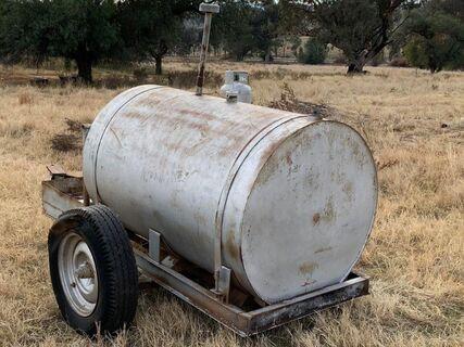 1,500 ltr fuel tank on trailer