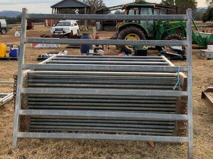 14 x cattle yard panels