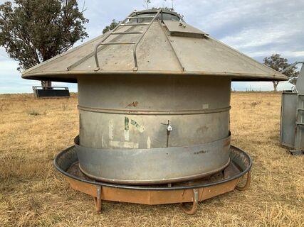 5 tonne round grain/nut feeder