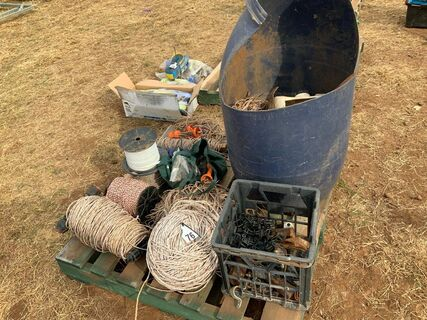 Electric fence sundries
