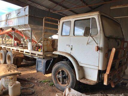 Inter Acco 1910A V8 Petrol Bogie Drive Truck