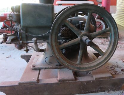 International stationary engine