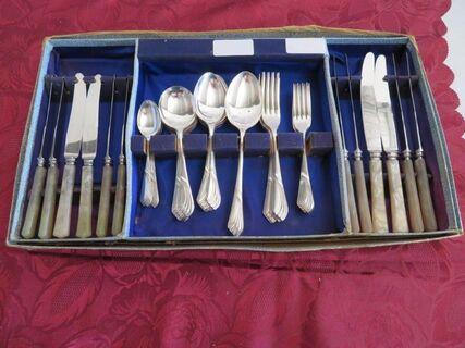 Deakin Edwardian Silver Plated Fish Cutlery Set