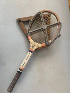 VintageTennis racquet with aluminium press and additional wooden press