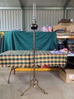 Brass telescopic banquet stand