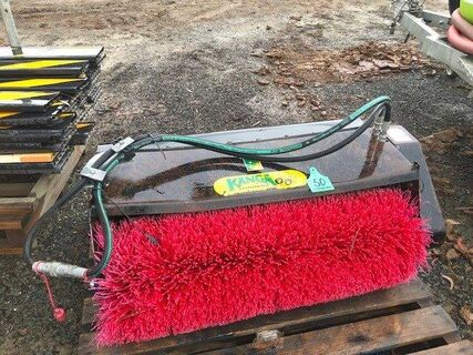Toro/Kanga broom attachment