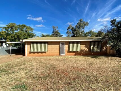 22 Mathews Street, Cobar, NSW 2835